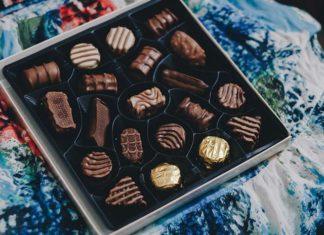 Czekolada jak plastelina? Sprawdź 5 pomysłowych sposobów, jak używać czekoladę plastyczną w kuchni!