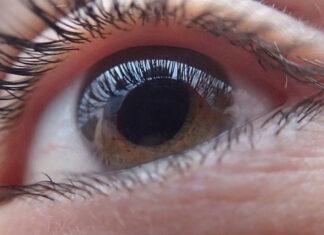 Mrużenie oczu
